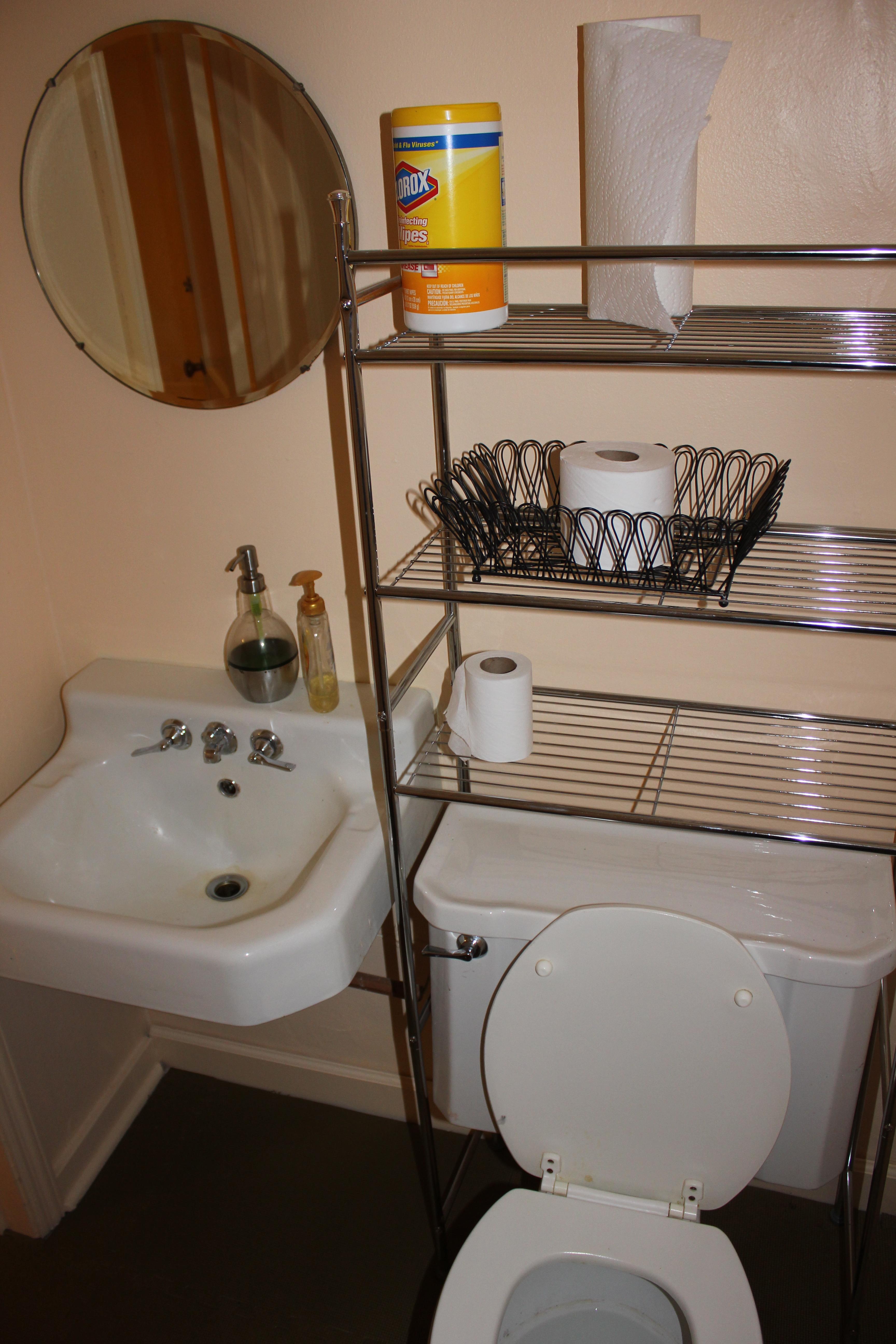 Basement Half Bathrooms Ideas: Basement Half Bathroom