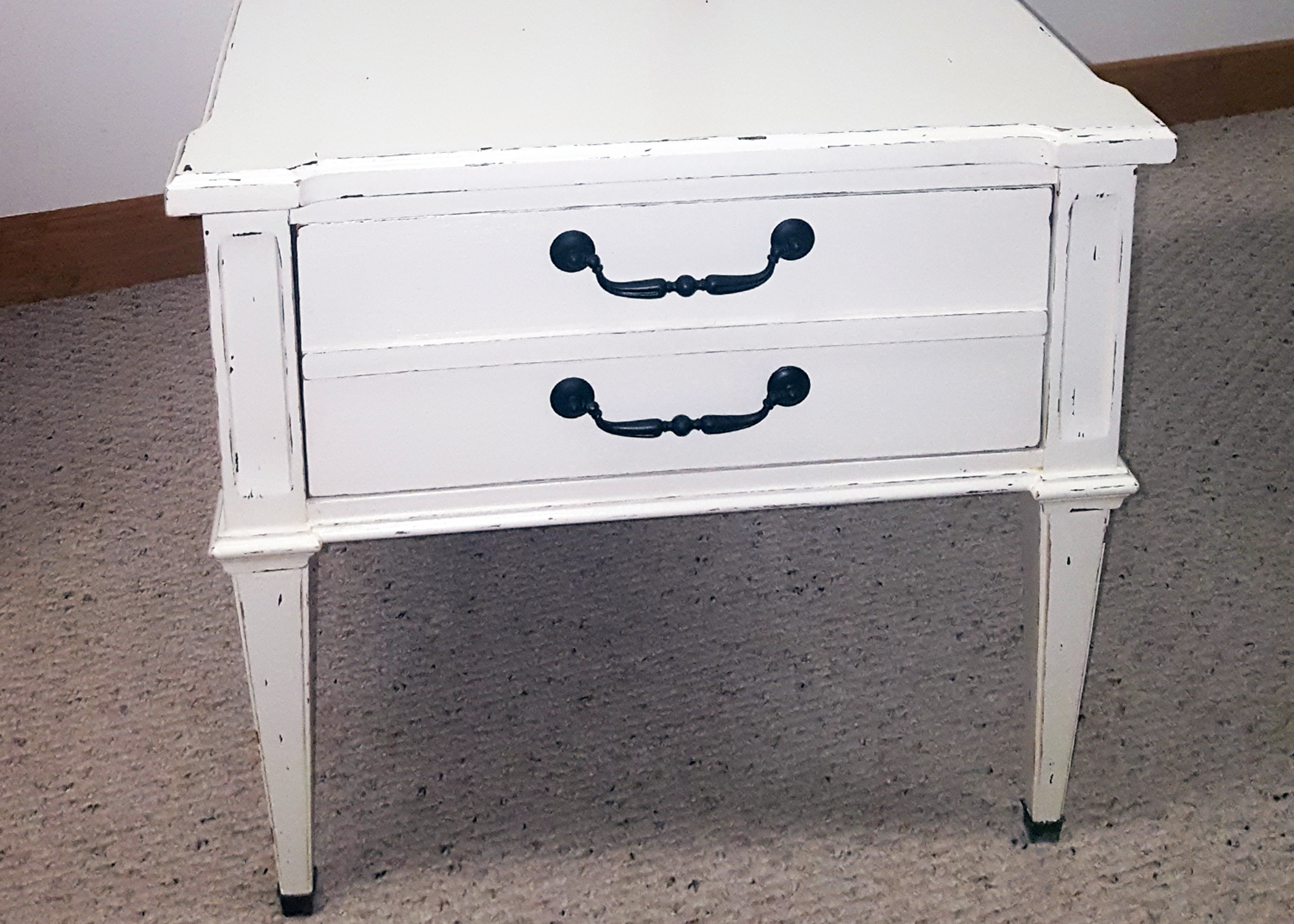 Tips for chalk painting furniture & accessories